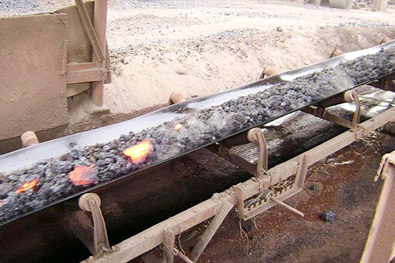 What are the common types of pattern conveyor belts