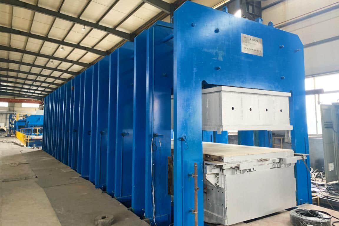 Big steel cord conveyor belt manufacture line is complete